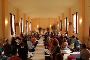 Jon Kabat Zinn retreat in the meditation hall
