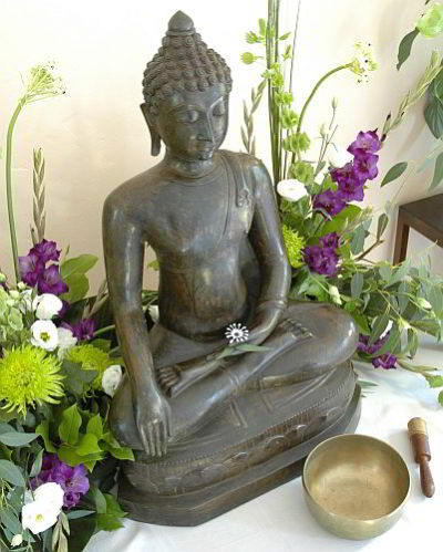 Image of Buddha and Flowers